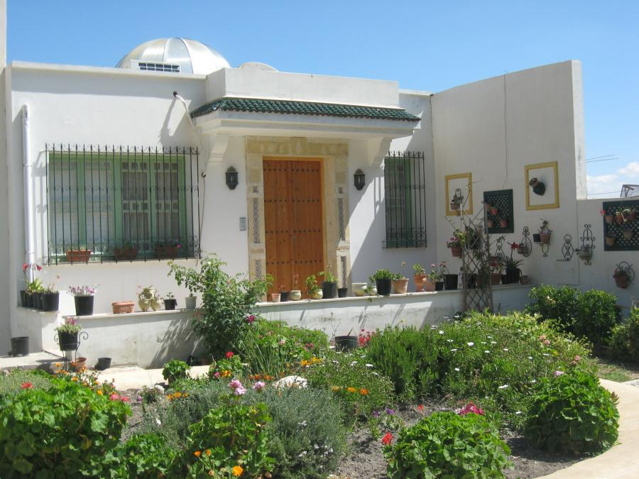 Photos dar boumakhlouf for Villa avec jardin tunisie